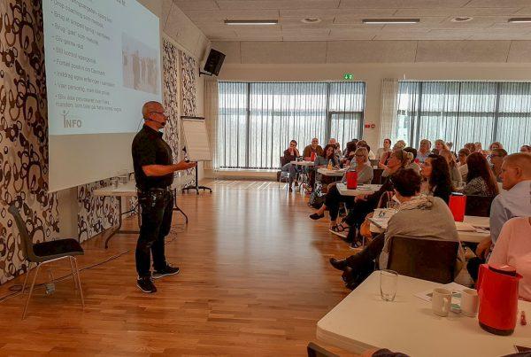 Henrik Kokborg underviser