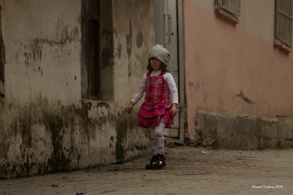 Glad pige - syriske flygtninge