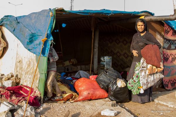 Flygtningkvinde ved den syriske grænse
